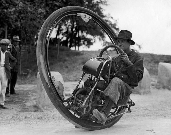 one_wheel_motocycle