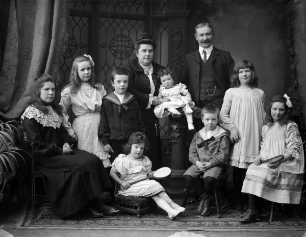 Are Big Families Better?