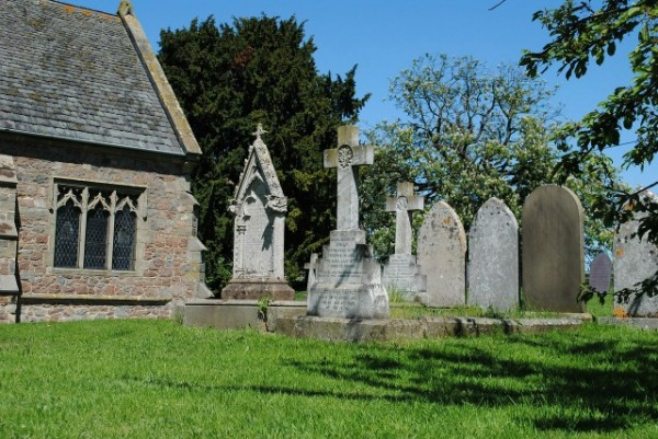 9 Tips for Photographing Gravestones