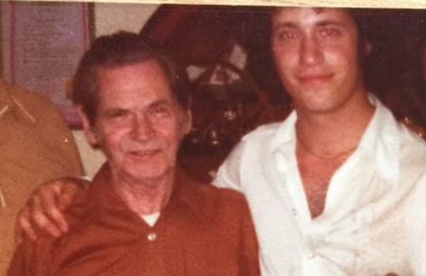 A Daughter's Gift: Unraveling the Mystery of a Paternal Grandfather