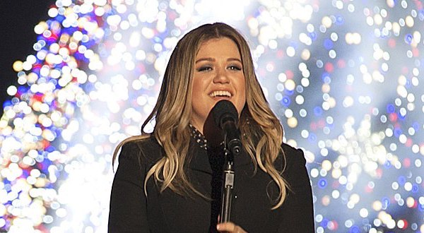 Profile of the Day: Kelly Clarkson